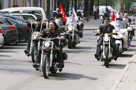 Membros do grupo pretendiam viajar até Berlim para celebrar vitória na 2ª Guerra, mas tiveram entrada negada na Polônia e na Alemanha Foto: Reuters