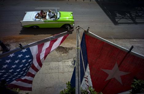Bandeiras em Havana para celebrar a reaproximação entre países Foto: AP