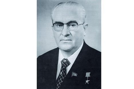 Andropov era capaz de juntar em torno de si uma coletividade de profissionais em qualquer estrutura que dirigia Foto: wikipedia.org
