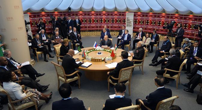 """""""A influência dos Brics é mais um sinal do enfraquecimento gradual da influência ocidental no mundo"""" - diz Lukianov. Foto: BRICS2015"""