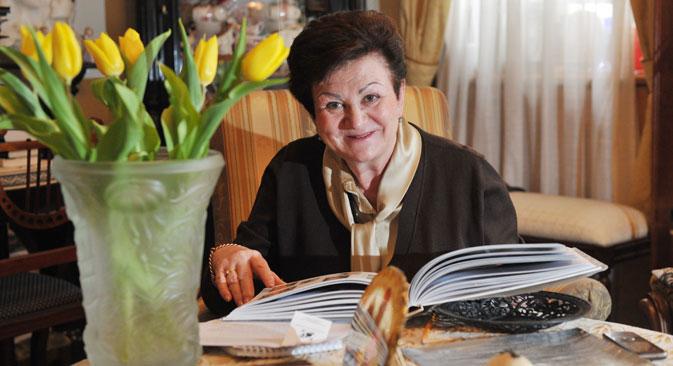 Diretora da 'Estrangeira', Guenieva não se limitou ao trabalho confinado em bibliotecas Foto: Artiom Jitenev/RIA Nóvosti