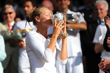 Além de fisicamente parecida com Sharapova, Juk também começou cedo na carreira Foto: Photoshot/Vostock-Photo