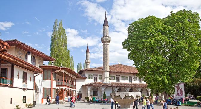 Palácio Do Khan abriga uma das maiores mesquistas da Crimeia Foto: Lori/Legion-Media