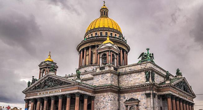 Catedral de São Isaac é o terceiro ponto turístico mais visitado de São Petersburgo