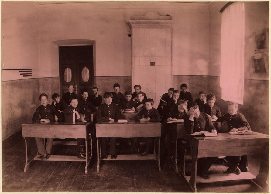 Alunos da escola de Tiumen (1889)