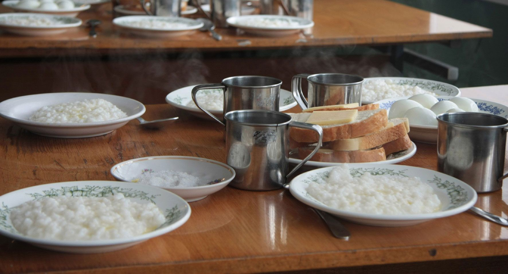 Os russos gostam de comer arroz, mas nem sempre na forma como se costuma consumi-lo no Brasil.