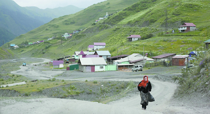 Região montanhosa é palco de operações antiterrorismo que assustam moradores locais.