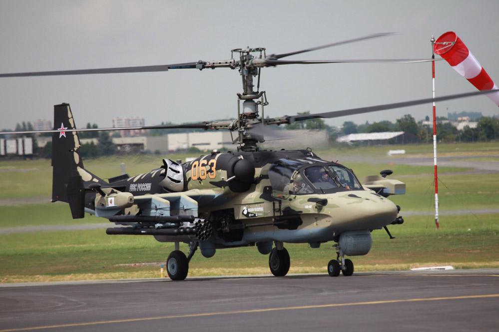 Helikopter serang Ka-52.