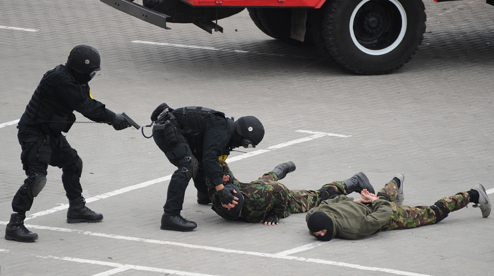 Pada 25 Mei, FSB di Moskow menangkap empat anggota kelompok teroris yang terdiri dari warga Rusia dan negara Asia Tengah.