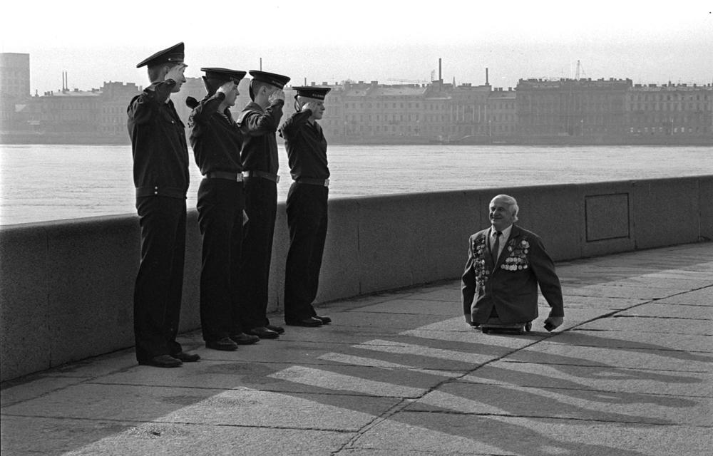 Foto premiada é amplamente divulgada na imprensa e na internet, mas poucos conhecem a história do marinheiro e engenheiro Anatóli Golimbiévski.