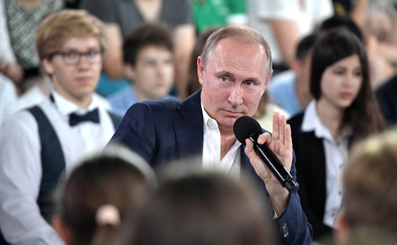 Владимир Путин отговори на въпроси на децата - и каза повече, отколкото обикновено споделя с журналистите.