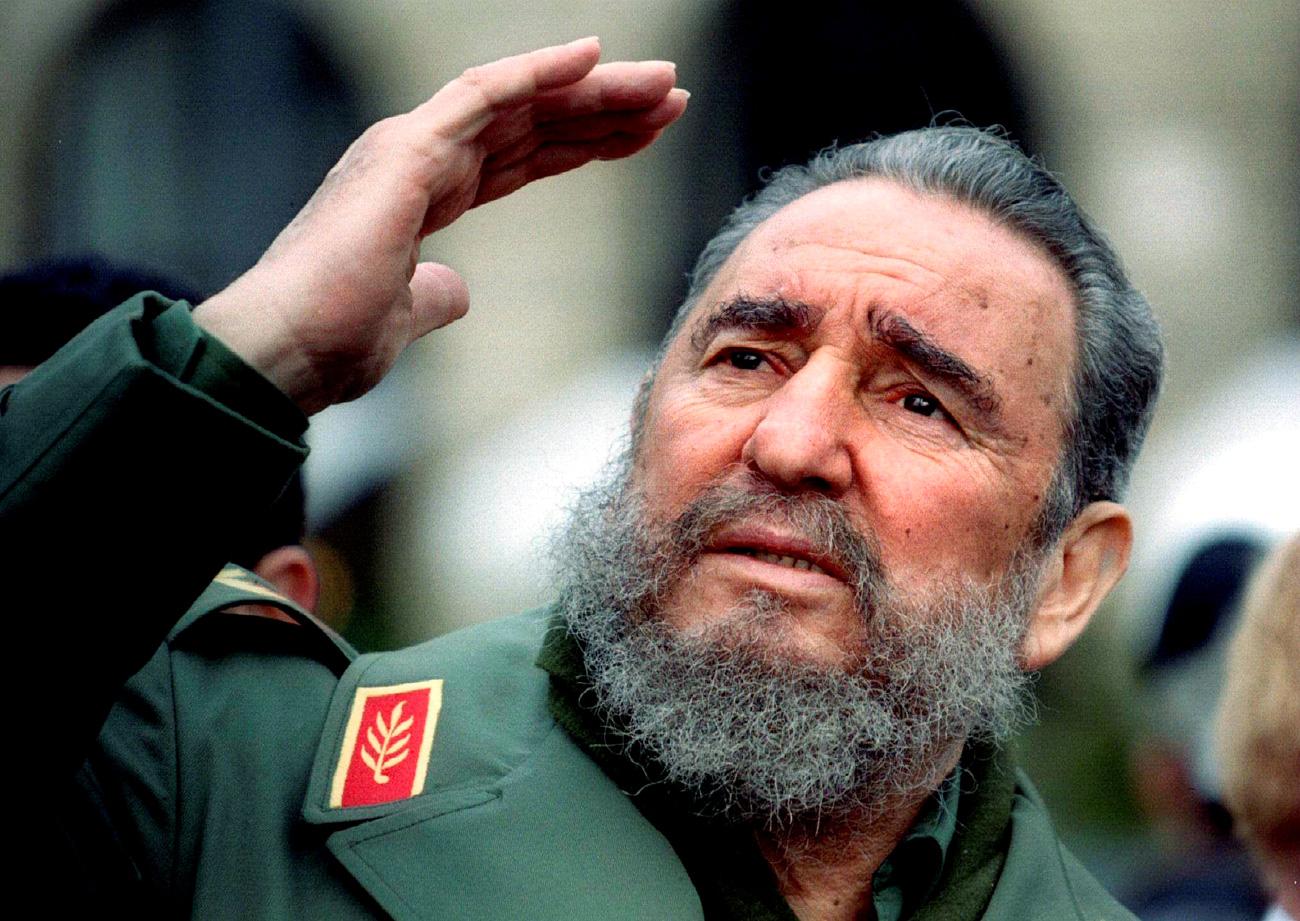 Fidel Castro durante una visita a Parigi nel marzo 1995.
