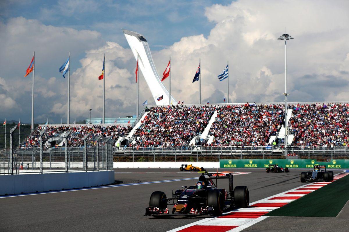 29 de abril. Sôtchi recebe seu primeiro o Grand Prix de Fórmula 1.