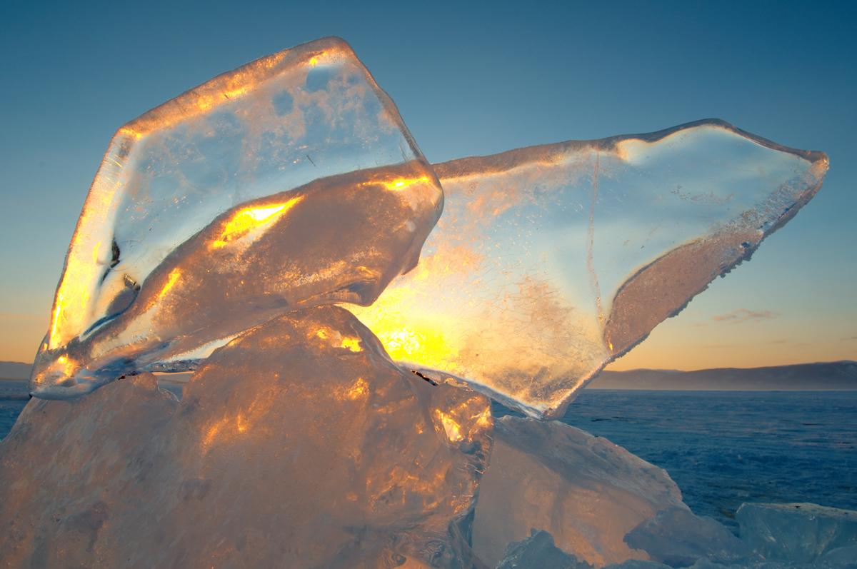 Esculturas de gelo no Baikal podem atingir mais de 12 metros Foto: Lori/Legion-Media
