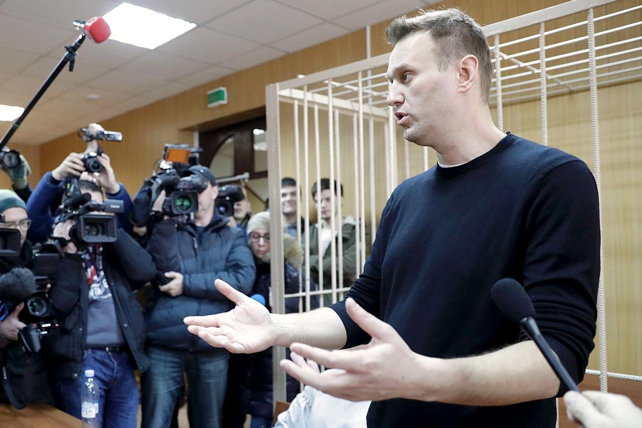 Nos próximos dois dias, a defesa vai entrar com recurso para que Naválni deixe a prisão.