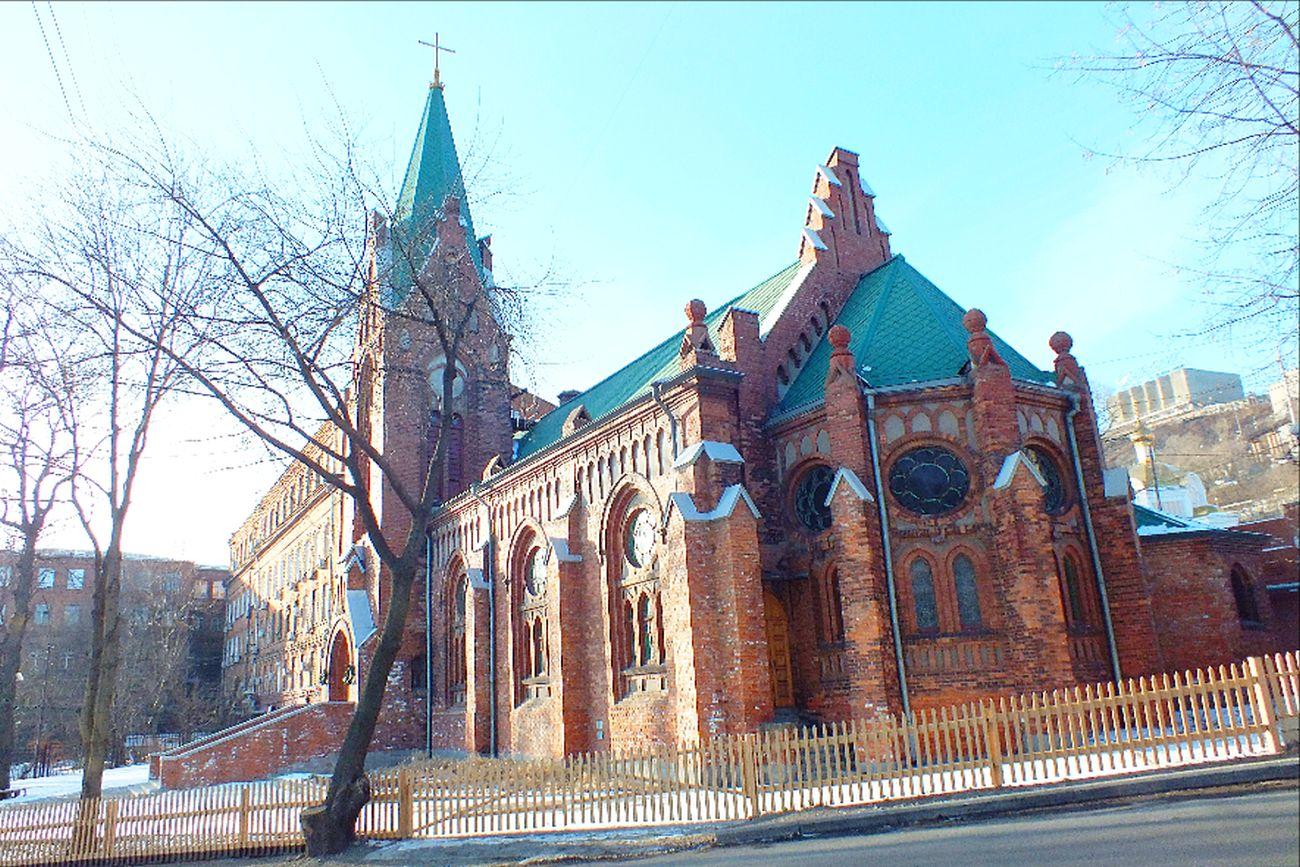 Лютеранская церковь Святого Павла во ВладивостокеPauluskirche (Wladiwostok)
