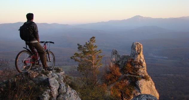 Action für Aktivurlauber: In Adygeja kann man Mountainbiken, Wildwasserfahren oder in freier Natur seltene Vogelarten beobachten. Foto: Pressebild