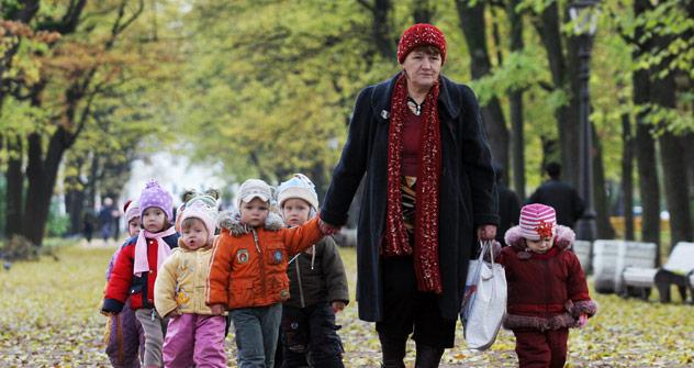 Was von der sowjetischen Kinderbetreuung blieb: zu wenige Kindergartenplätze, überaltertes Personal, niedrige Gehälter. Foto: TASS