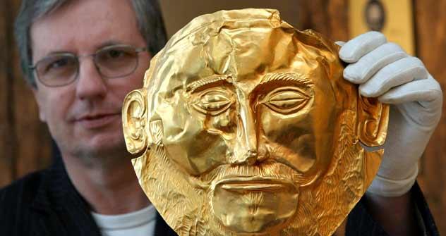 Schliemann liebte Gold und Ruhm: eine von ihm ausgegrabene mykenische Totenmaske. Foto: dpa/Vostock-Photo