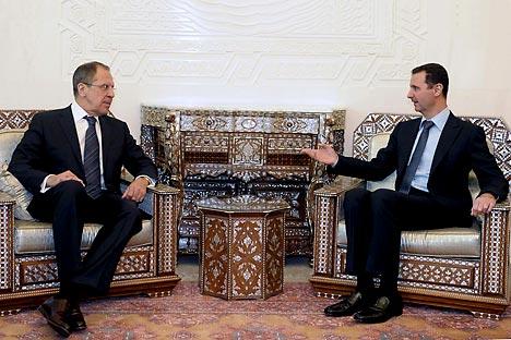 Außenminister Sergej Lawrow mit dem syrischen Präsidenten Baschar al-Assad in Damaskus am 7. Februar. Foto: Reuters