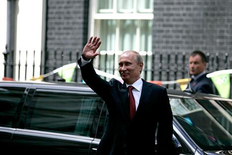 """""""Gut ist das nicht"""", sagte Putin über Pussy Riot in London. Foto: AFP / East Newsst"""