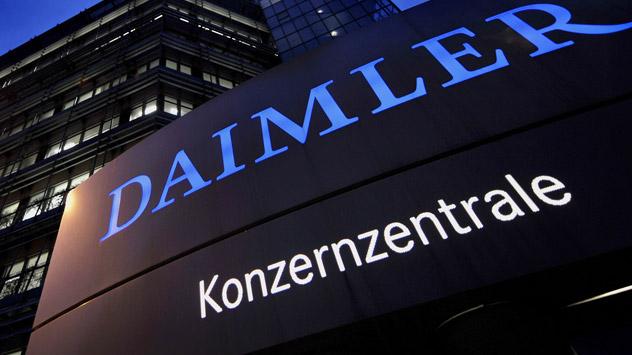 Die Daimler AG will künftig mehr in Russland investieren. Foto: AFP_Eastnews