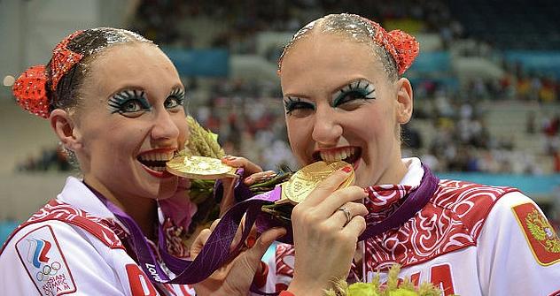 Die russischen Synchronschwimmerinnen Natalja Ischtschenko und Swetlana Romaschina. Foto: ITAR-TASS