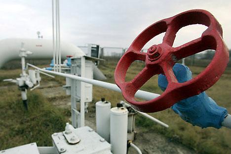 Die Ventile stehen im Visier: Die EU-Kommission stellt Fragen vor Gazprom  Foto: FP/Eastnews
