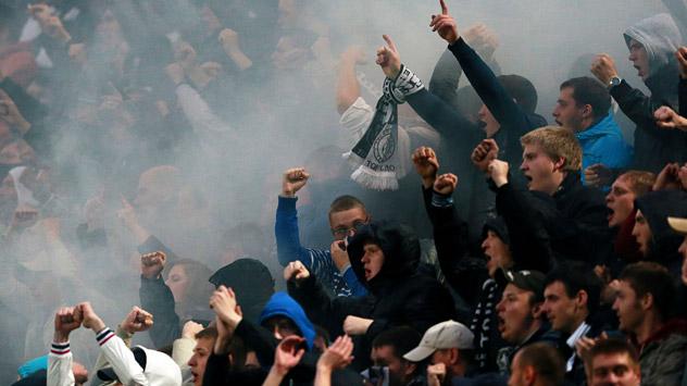 Schon vor dem Spiel nahm die Polizei 20 Fans nach einer Massenschlägerei fest. Im Stadion ging der Konflikt weiter. Foto: RIA Novosti.
