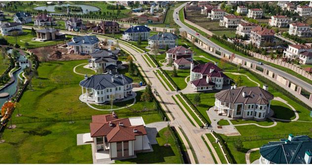 """Vorstadtsiedlungen und """"Gated Communities"""" liegen im Trend. Foto: 28-300.ru"""