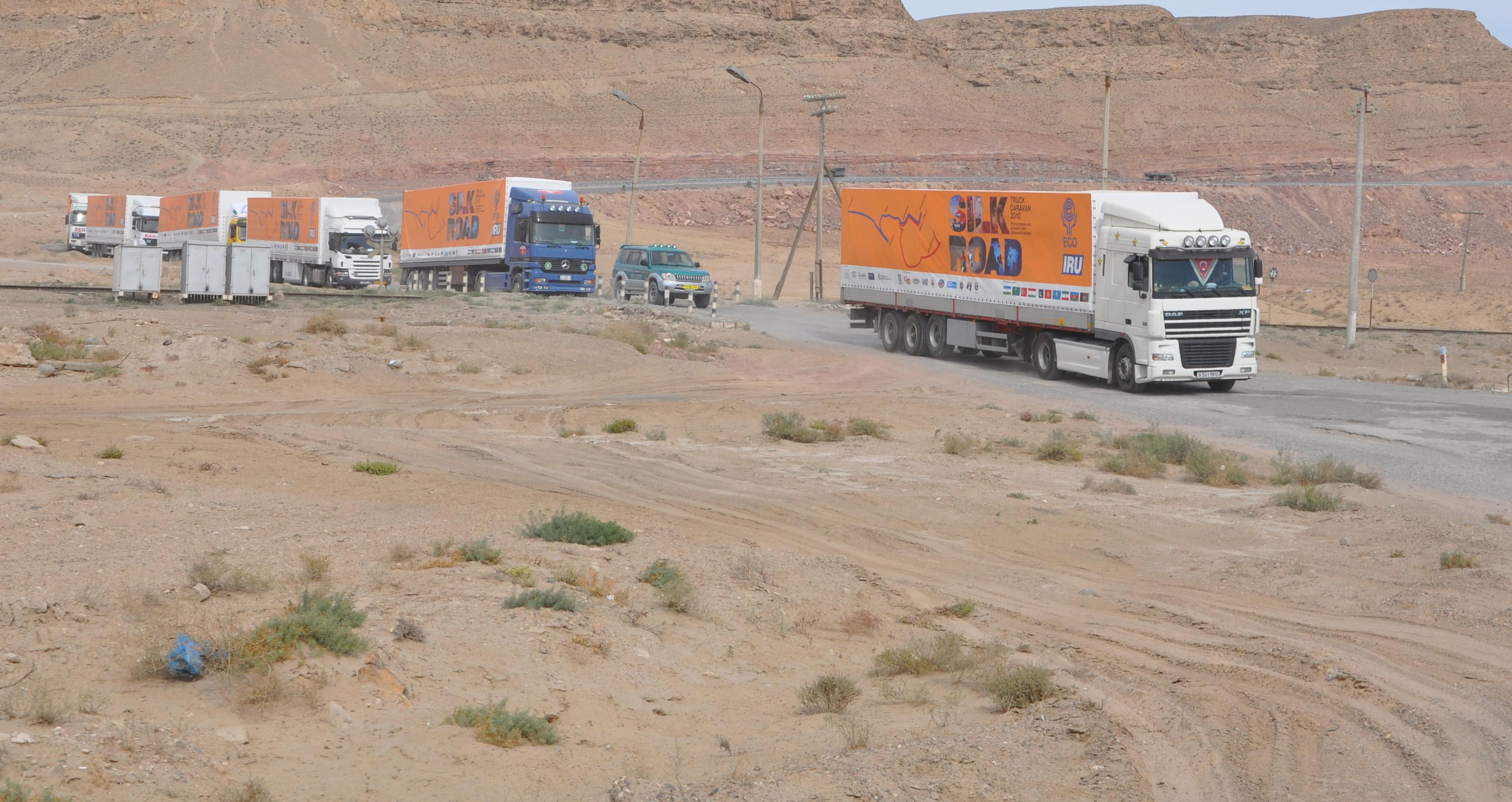 Die LKWs an den mittelasiatischen Routen.  Foto: iru.org