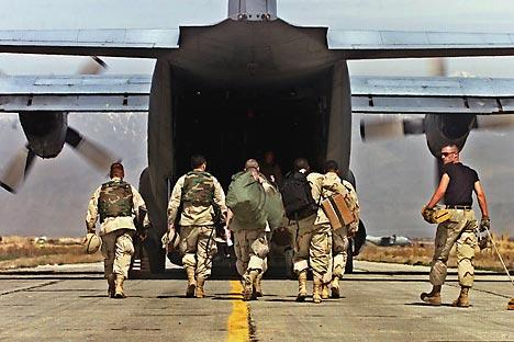 Trotz verbleibender Präsenz amerikanischer und europäischer Militärstützpunkte ist Afghanistan unter Gefahr des Bürgerkriegs. Foto: AP.