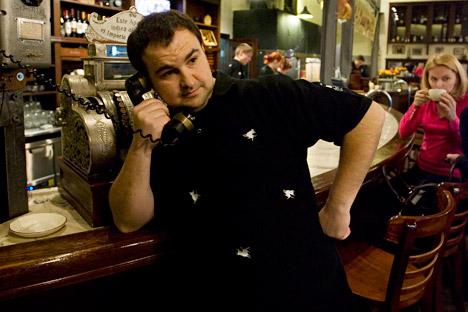 Anton Lyalin, Gründer der Moskauer preisgüngstige Steakhouse-Kette: Die relativ geringen Personalkosten ermöglichen dem Lokal Torro Grill, Preise zu halten, die nur geringfügig über dem europäischen Niveau liegen. Foto: Kommersant.