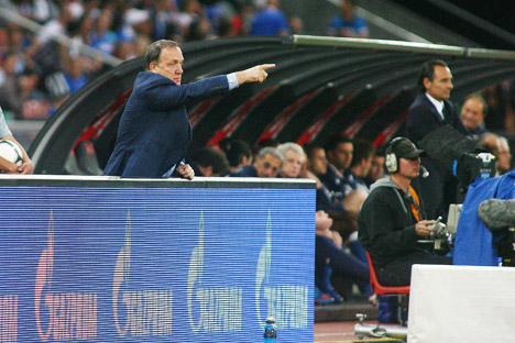 Derzeit hängt der russische Sport von staatlichen Subventionen ab. Auf dem Bild: der ehemalige Cheftrainer der russischen Nationalmannschaft Dick Advocaat. Foto: ITAR-TASS.