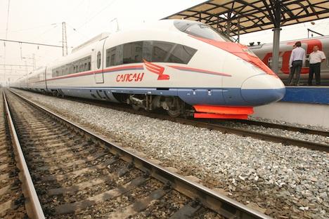 Mit der neuen Hochgeschwindigkeits-Strecke wird sich die Fahrzeit zwischen Moskau und St. Petersburg auf 2,5 Stunden verkürzen. Foto: RG.
