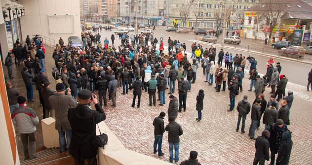 Kaluga, Winter 2012: Von den 300000 Einwohnern gehen rund 300 auf die Straße, um für faire Wahlen zu demonstrieren. Foto: Kirill Salnikow, KALUGAFOTONET.