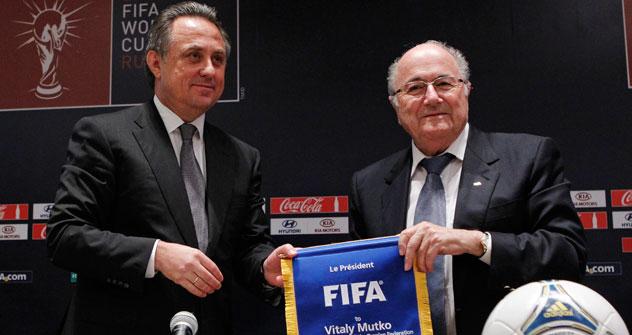 FIFA-Chef Joseph Blatter und russischer Sportminister Witali Mutko auf der Pressekonferenz in Moskau. Foto: REUTERS/Vostok-Photo.