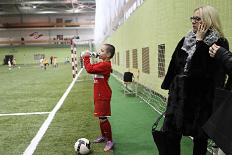 In Russland Sport zu treiben ist teuer. Viele Siege russischer Athleten in der Weltarena sind nicht dank der staatlichen Unterstützung zusammengekommen, sondern trotzdem. Foto: RIA Novosti.