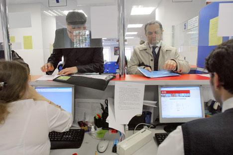 Ab Januar 2013 können russiche Bürger ihre Visa-Anträge direkt beim Service-Center der Deutschen Botschaft stellen. Foto: Kommersant.