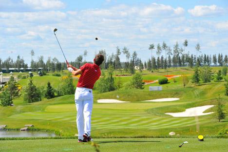 In Russland muss man  circa  600-1200 Euro investieren um Golf spielen zu lernen. Foto: RIA Novosti.
