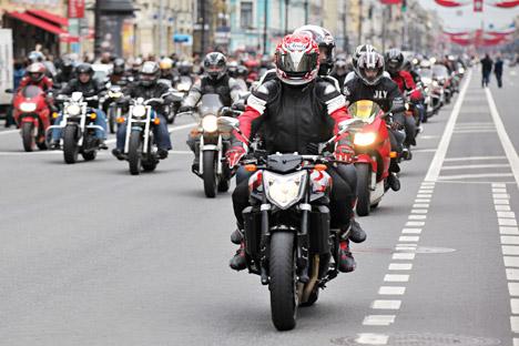 Руски моторџии.