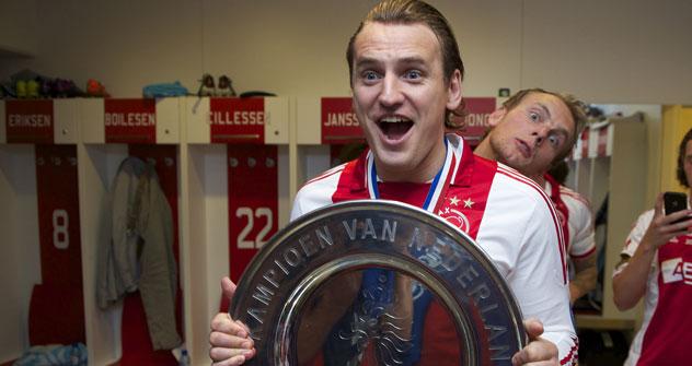 Dmitri Bulykin ist zum Holländischen Meister mit Ajax Amsterdam im Saison 2011/12 geworden. Foto: Getty Images.