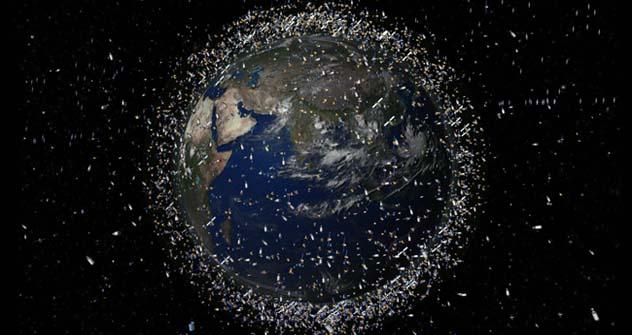 Der Weltraumschrott ist aufgrund seiner enormen Geschwindigkeit von ungefähr 10 km/s eine große Gefahr. Foto: Pressebild.