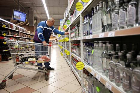 Zurzeit liegt der niedrigste Preis für einen halben Liter Wodka in Russland bei 125 Rubel (ca. 3 Euro). Ab 1 Januar wird sie wesentlich höher. Foto: RIA Novosti