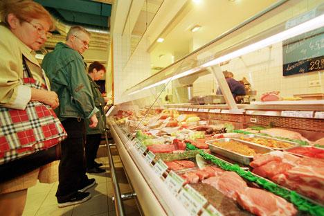 Die russische Behörden kritisieren die Verfahren der Zertifizierung und die Etikettierung von Fleisch- und Milcherzeugnissen in Deutschland. Foto: Alamy / Legion Media.