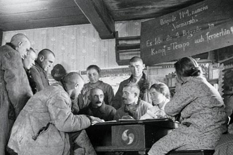 """Deutsche Arbeiter der Kolchose """"Rotfront"""". Foto: rusdeutsch.ru"""