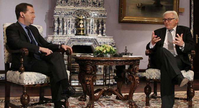 SPD-Fraktionchef Frank-Walter Steinmeier während des Treffens mit dem russischen Ministerpräsidenten Dmiri Medwedjew am 17. Dezember 2012. Foto: ITAR-TASS