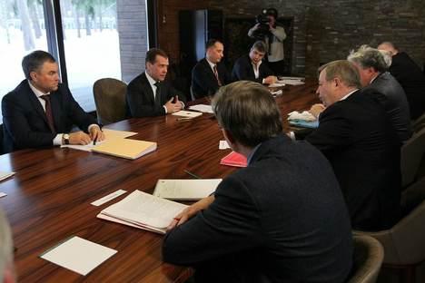 Das erste Treffen mit Vertretern der außerparlamentarischen Opposition am 20. Februar. Foto: Kremlin.ru