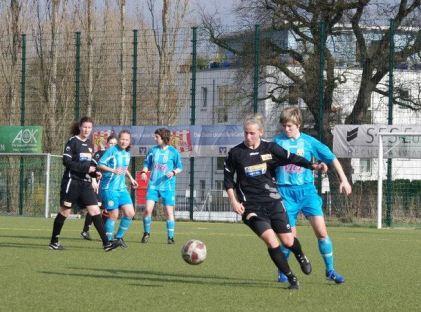 Das Kaliningrader Frauen-Team Alpha 09 arbeitet sich mit einem deutschen Trainer seit drei Jahren in der Liga steil nach oben. Foto: Pressebild