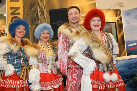 Grüne Woche in Berlin: Russland- Folkloregruppe in traditioneller Tracht aus der Region Irkutsk. Foto: Pressebild